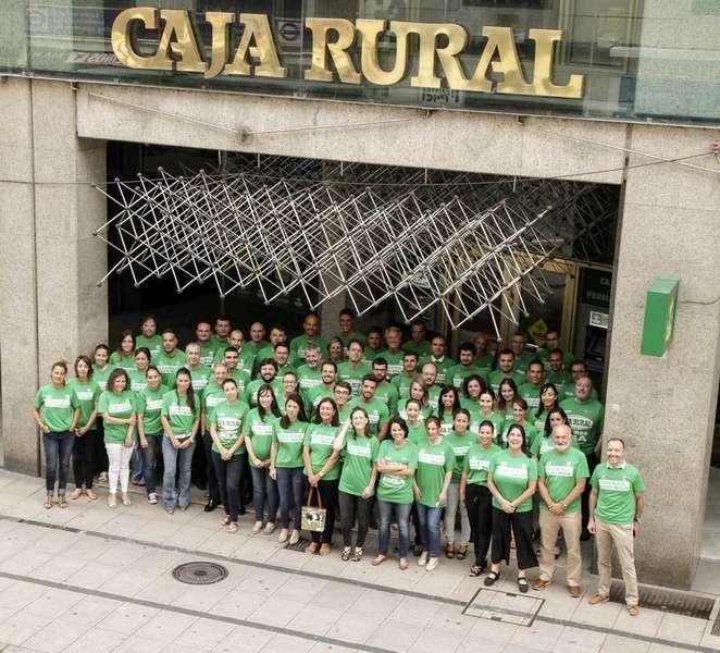 Los trabajadores de la Caja Rural de Asturias lucieron la Camiseta Verde el miércoles 19 de julio
