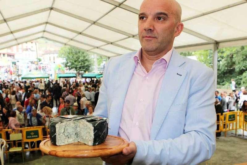 El mejor Cabrales del año se subastó por 3.300 euros