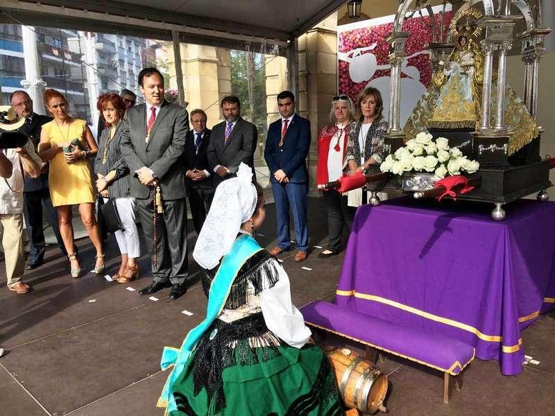 Bendición en Villaviciosa del primer mosto, que se ofreció a La Portalina