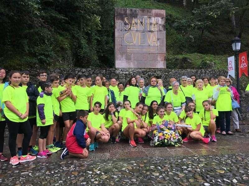 deportistas-llanera-covadonga-ofrenda