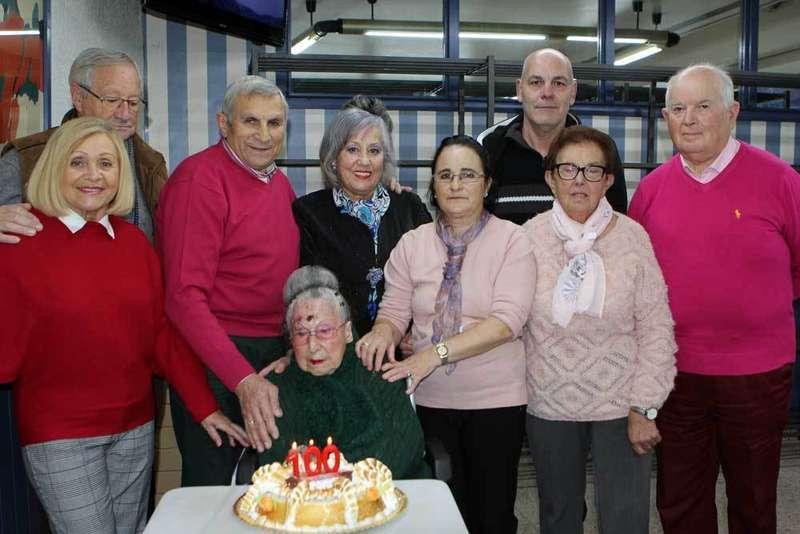 Antonia Campal celebró su 100 cumpleaños en Cangas