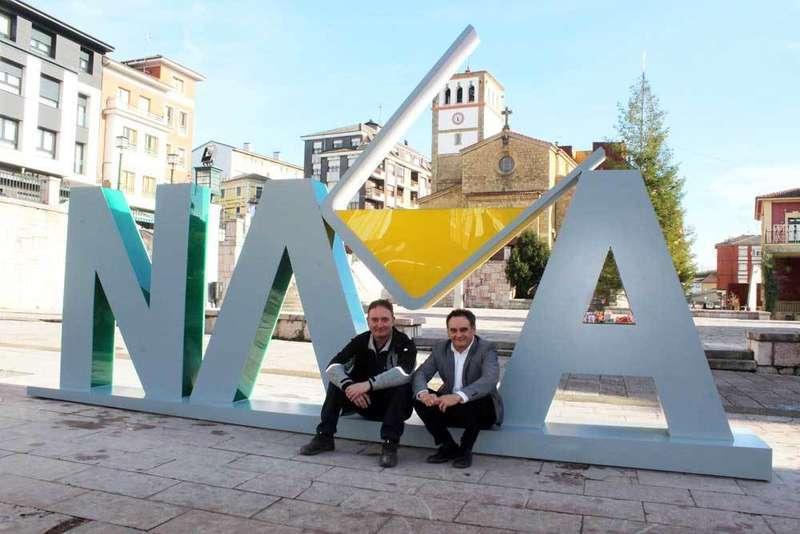 Un culetón de sidra para promocionar a Nava en el mundo
