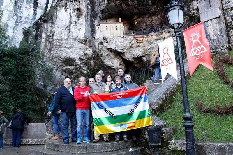 El 13 de enero se hermanarán en Argentina las aguas del Sella y el Río Negro