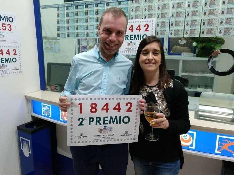 La administración de Intu Asturias reparte 3.750.000 euros del segundo premio del Sorteo del Niño