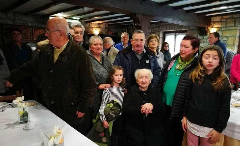 Guillermina Mier celebró su centenario en Cabrales