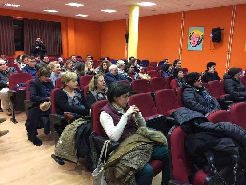 Los padres respaldan la alternativa propuesta por la AMPA y el Ayuntamiento para el IES Rey Pelayo de Cangas de Onís