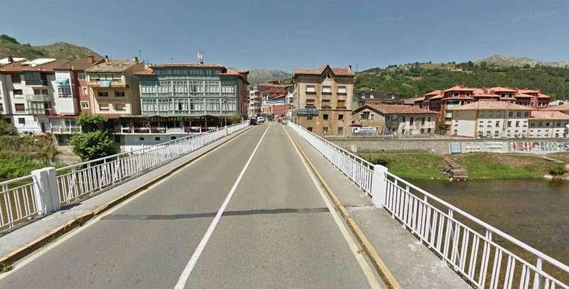 El Principado solicitará al Ministerio la transferencia del puente Emilio Llamedo de Arriondas