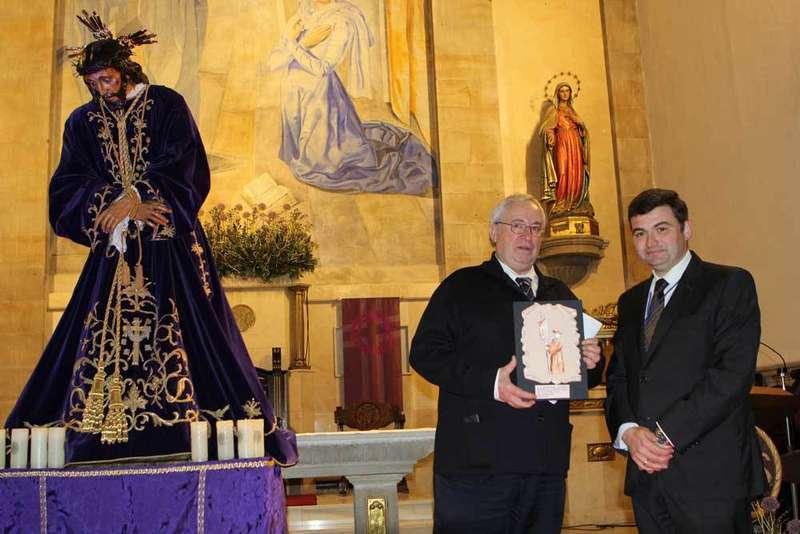 Ímprobo pregón de Antonio Bonet en el arranque de la Semana Santa de Villaviciosa