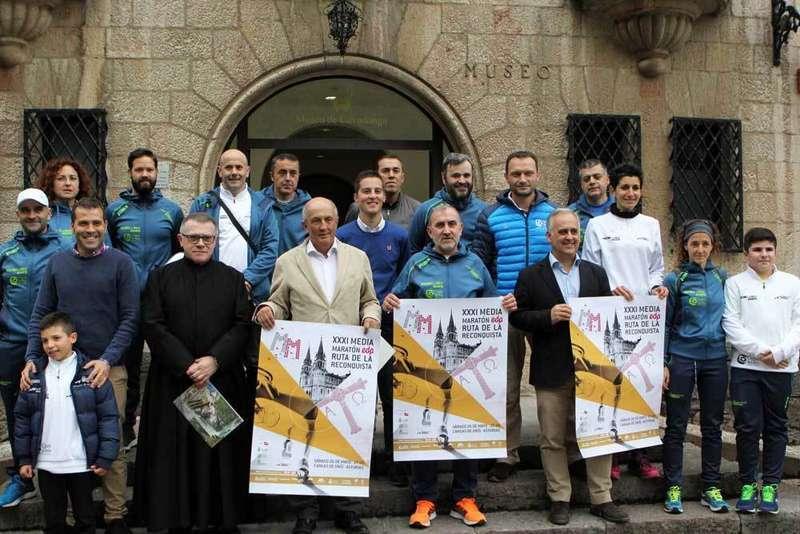 Covadonga acogió la presentación de la 31 Media Maratón EDP Ruta de la Reconquista