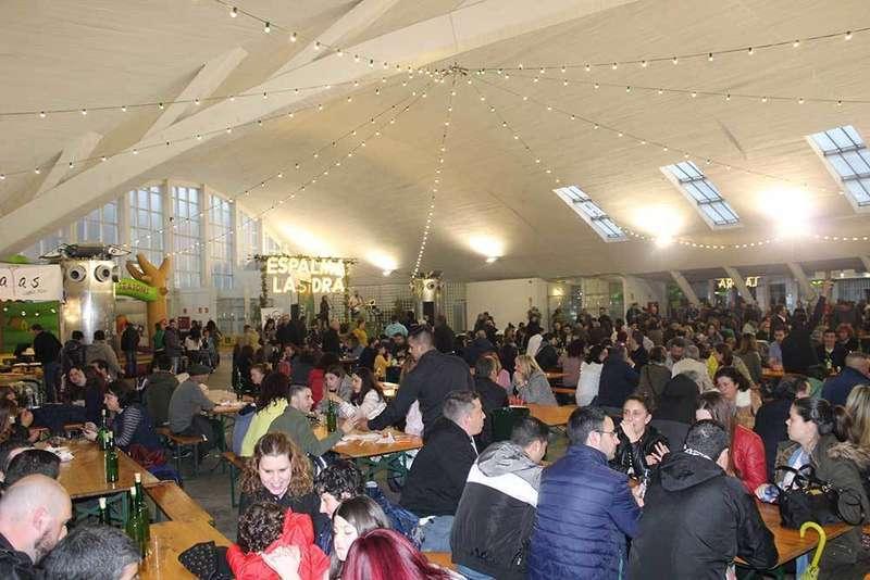 Cerca de 6000 personas pasaron este fin de semana por la Plaza Cubierta de Pola de Siero