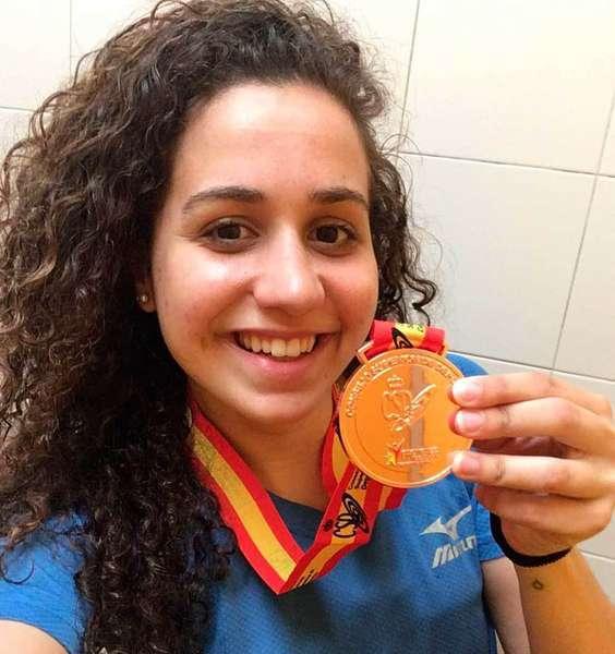 Medalla de bronce para la nadadora Laura Lorenzo en los Campeonatos de España Universitarios