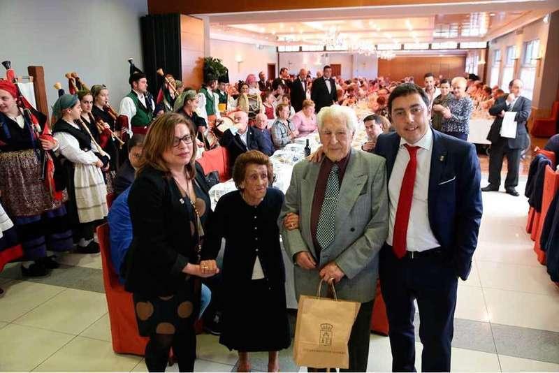 Llanera homenajea a los mayores por San Isidro