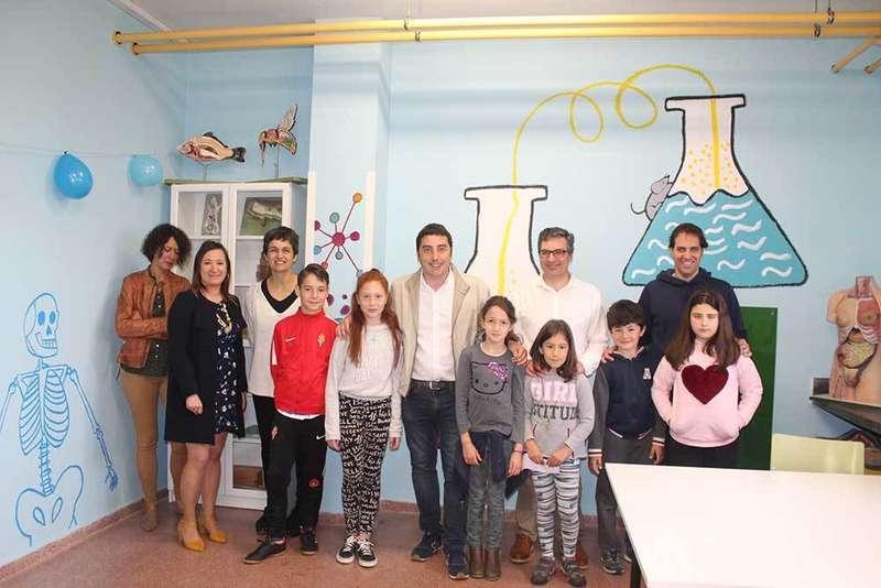"""El Colegio de Lugo de Llanera recupera el laboratorio con el proyecto """"Crealab"""""""