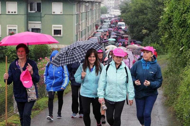 FOTOS de la marcha contra el cáncer a Covadonga de la Asociación Rosa Palo
