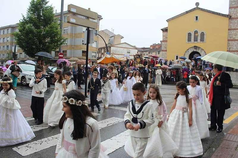 Celebración Corpus Lugones