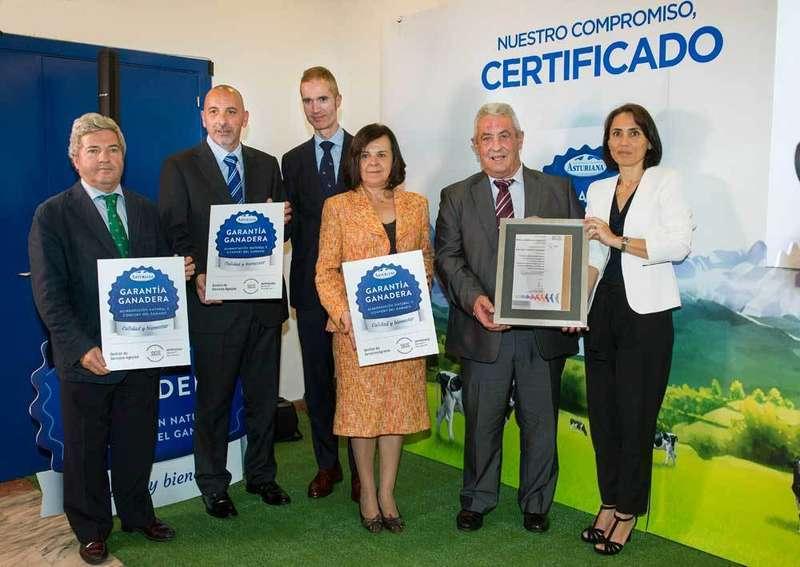 """""""Garantía Ganadera"""", una certificación de Central Lechera Asturiana que apoya a los ganaderos"""
