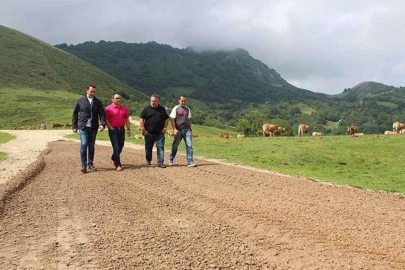 Las obras de la carretera a Les Praeres, final de etapa de La Vuelta, listos en agosto