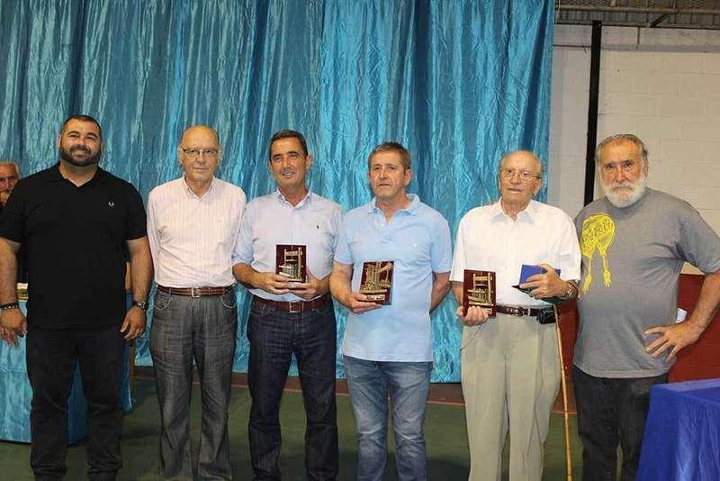 Ganadores del concurso de sidra casera de Sariego.