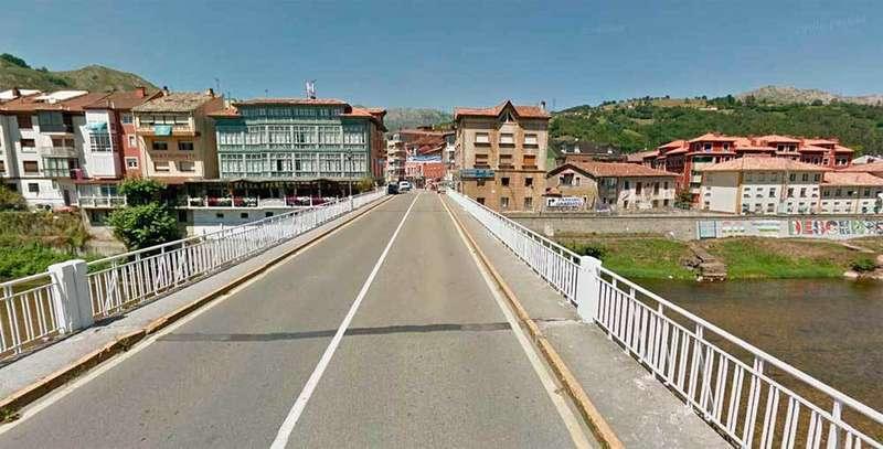 El cambio de titularidad del puente de Arriondas, primer paso para su arreglo