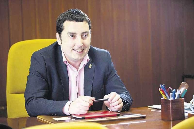 """Gerardo Sanz: """"Javier Fernández es el mejor político que ha tenido el PSOE"""""""