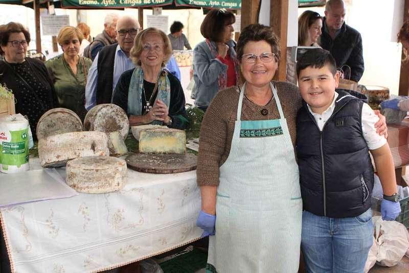 El Gamonéu cotiza hoy a 40 euros el kilo en Cangas de Onís