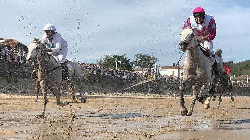 Ribadesella celebró la edición 29 de sus carreras de caballos
