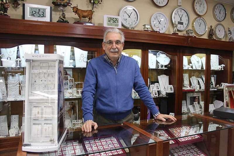Premio Comercio de Oro de Siero para la joyería Constantino Álvarez y el Bazar El Cero