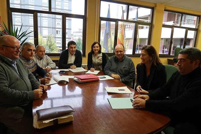 Llanera firma un nuevo convenio colectivo después de 22 años