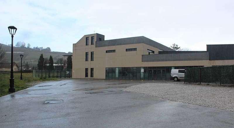 Llanera mejorará el acceso peatonal al Colegio de Lugo