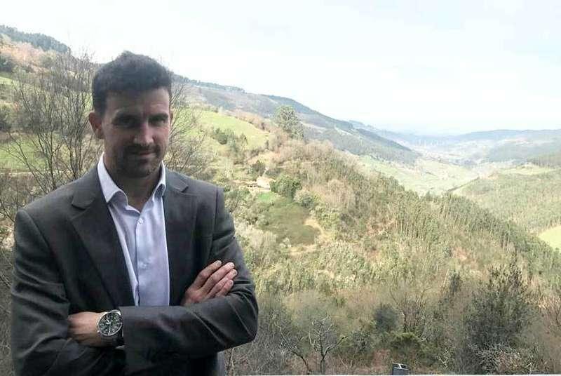 Foro Villaviciosa apuesta por David Fernández Riera como candidato a la Alcaldía