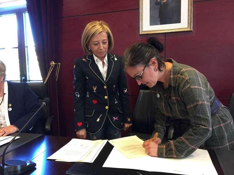Noreña firma el pacto social contra la violencia hacia las mujeres
