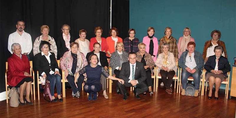 Nava premia la labor de las mujeres emprendedoras del concejo