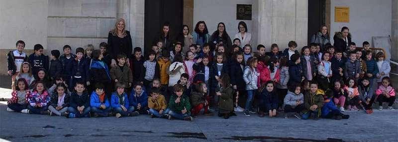 Escolares del Colegio Peña Careses visitan el Ayuntamiento de Siero