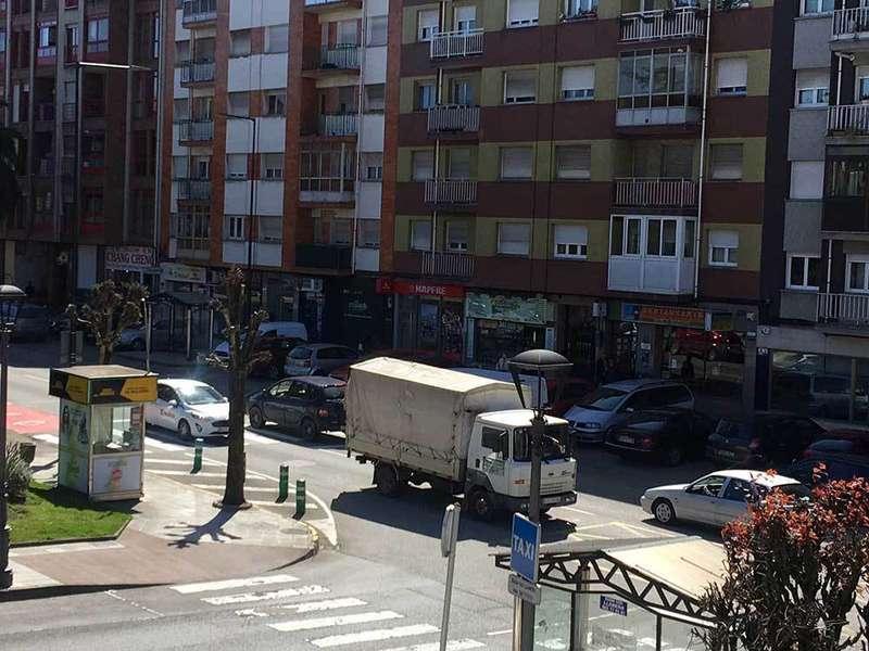 Llanera ampliará la acera de la Avenida Prudencio González, de Posada, para mejorar la seguridad vial