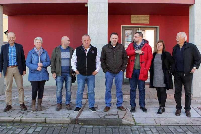 El PSOE de Onís presentó la candidatura que encabeza Abeledo en un acto con Adrián Barbón