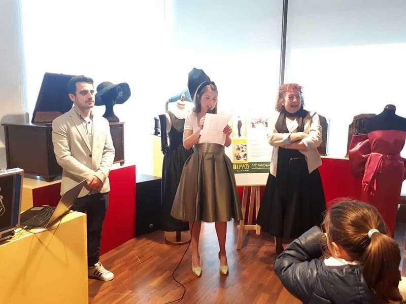Exposición vestidos Bimenes