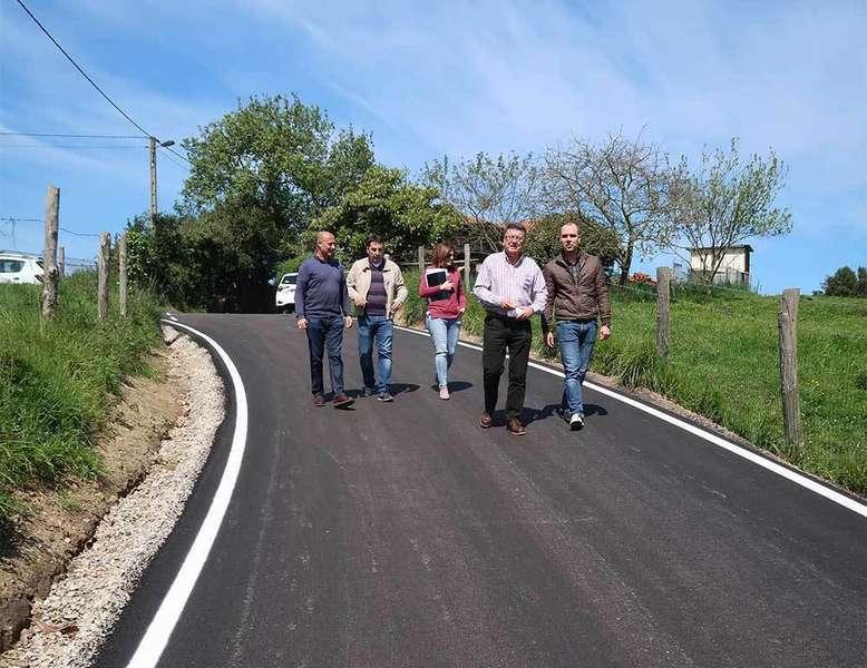 Llanera finaliza las obras de mejora en el camino El Pontón, en Villardeveyo