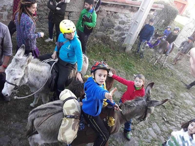 aguinaldo-ponga-caballos