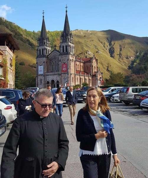abad-covadonga-ana-pastor