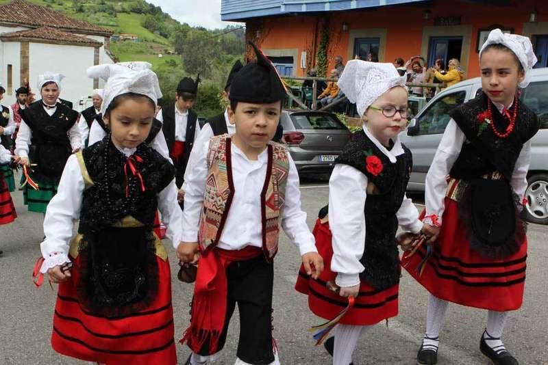 cabranes-procesión-arroz-con-leche