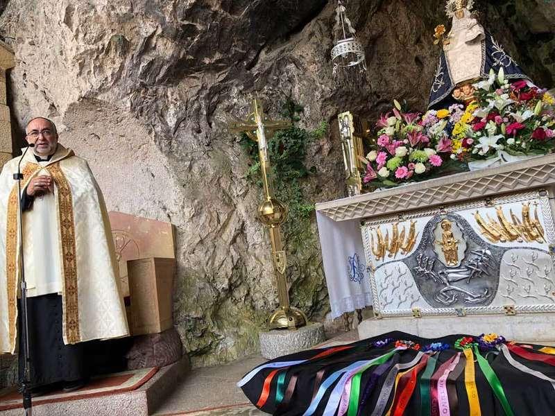 arzobispo-tunos-covadonga