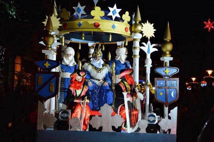los reyes magos en la cabalgata de villaviciosa