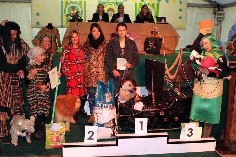 caranval-mascotas-podium