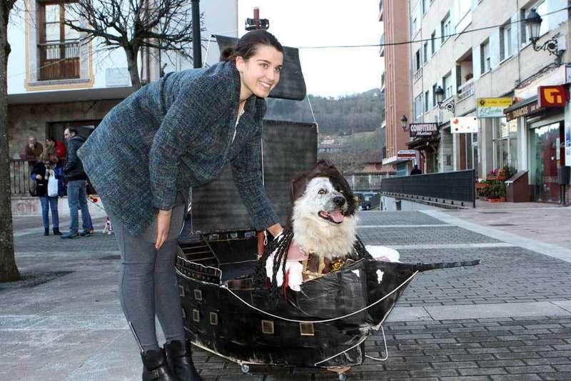 carnaval-mascotas-cangas-onis