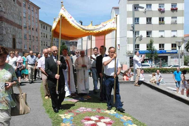 procesión-del-corpus-en-lugones