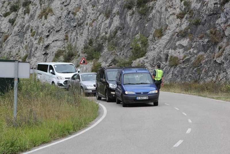 corte-carretera-nacional-en-amieva