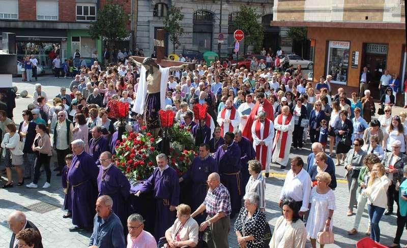 procesión-pola-de-siero