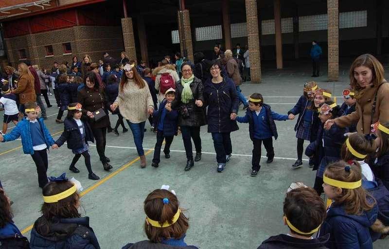 alumnos de norena celebran amaguestu danza prima