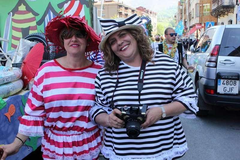 infiesto-desfile-piraguas-piloña