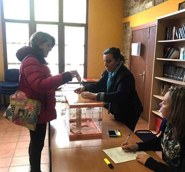 elecciones-votando-colunga